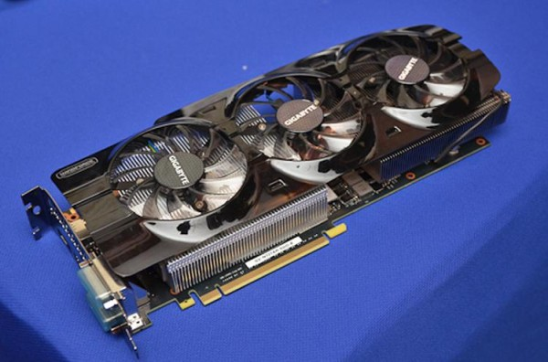 Gigabyte_GeForce-GTX-Titan-WindForce3_01