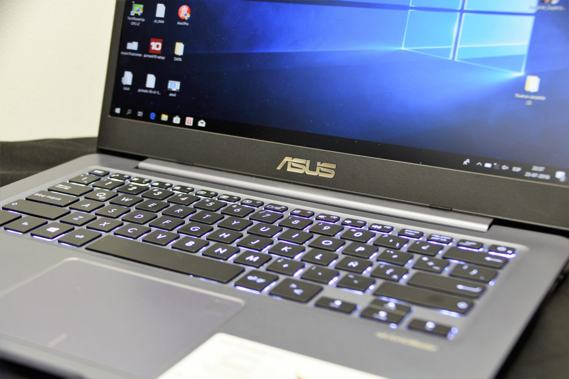 Review ASUS VivoBook S14 S406UA-BM013T (Slim Laptop) |